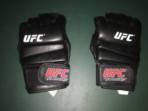 UFC Gloves, size L/XL