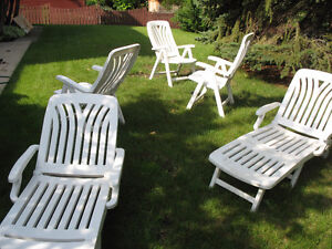 lawn chairs and recliners