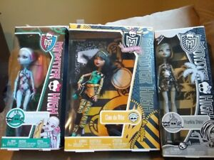 Monster High Dolls - huge lot