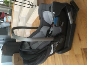 Nuna pipa infant car seat. Like new