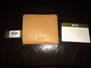 Authentic Brand New Fossil Tan Wallet Reduce from $40.00