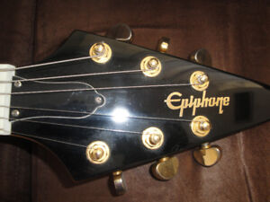 EPIPHONE  KORINA FLYING V ELECTRIC GUITAR + LONG CASE MINT $650