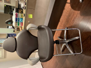 Hair and makeup saloon Furniture on sale , 80% off .