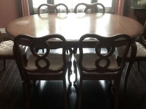 MAKE OFFER - MUST SELL - FRENCH PROVINCIAL TABLE & 6 CHAIRS