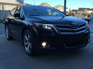Toyota Venza Limited V6 AWD - Top of the line model - lease