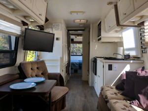 Vintage class A motorhome Itasca 31 feet 1984 perfect restored