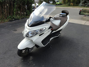 MOTO Suzuki Burgman Limited 2011 ABS 400cc.Automatique,