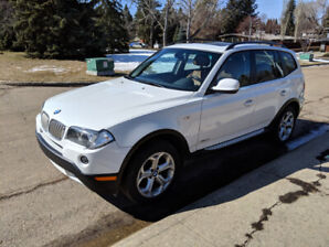 2010 BMW X3 -- LOW KMS --  WINTER TIRES Included