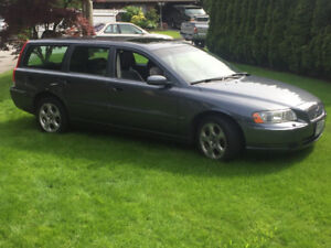 2005 Volvo V70 Station Wagon - $2500