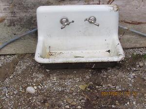Old Porclein Kitchen Sink