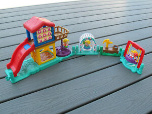 Fisher Price Little People Playground with Fun Sounds Gatineau Ottawa / Gatineau Area image 2