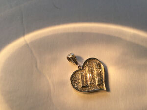 Lovely and Romantic Diamond Heart Pendant
