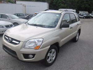 2009 Kia sportage leather roof awd clean car proof great shape