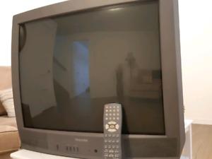 TV Toshiba 27 pouces en bon état