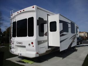 2008 CAMEO CARRIAGE RV 35ft 5th Wheel