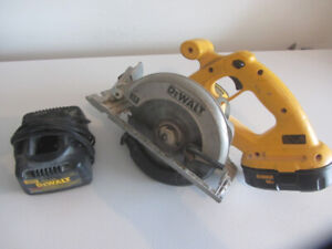 Dewalt Hand Held Saw Battery and Charger