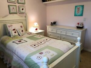 Girl's White Bedroom Set - Great Condition - $1200 (Coquitlam)