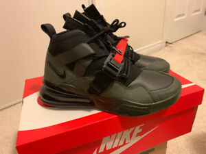 BRAND NEW Nike Air Force 270 Utility US size 9 Unwore