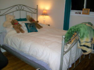 WROUGHT IRON QUEEN BED-SOLID 905-442-2000- BED ONLY.