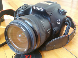 Sony alpha A58 DSLR camera 20MP APS-C 3 lens kit with bag
