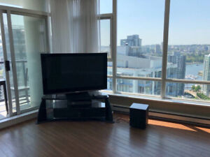 Water view unit in Yaletown