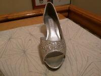 Wedding shoe 1 inch heel size 7/ Soulier de mariage taille 7