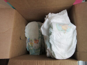 Size 6 Diapers - PC/pampers