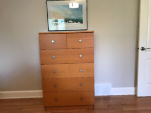 Dresser  - commode 6 drawers  - 6 tiroirs excellent condition
