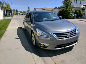 2015 Nissan Altima SL Tech Fully loaded sunroof heated leather
