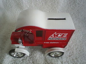 Collectable Antique – Ace Hardware Die Cast 1905 Ford Sarnia Sarnia Area image 6