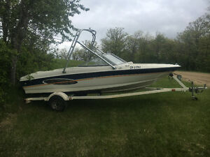 Bayliner for sale in good condition with wake tower