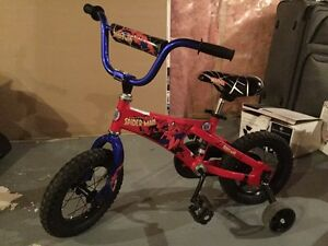 Kids Spider-Man bike with training wheels