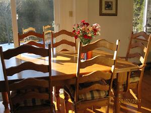 Set/ensemble de salle à manger en chêne massif avec 6 chaises