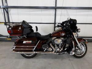 2011 Harley Davidson Electra Glide, FLHTCU motorcycle for sale