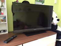 "Sony Bravia 32"", 1080P with Blu-Ray Disc Built in!"