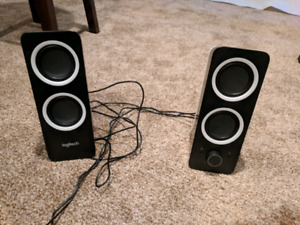 Logitech Z200 2.0 Channel computer speakers