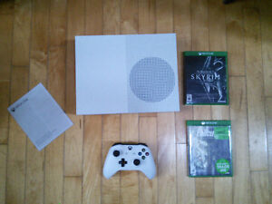 XBOX One S with controller and 11 games