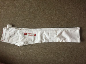white guess jeans London Ontario image 1