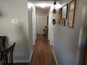 PRIVATE SALE: 874 sq ft Apt style condo @Holiday Park