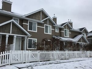 Dual Master TownHome in Terwillegar for $299,900