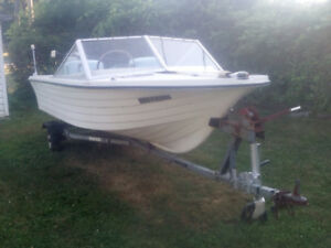 14 Foot Fiberglass Boat - 40 HP Evenrude & trailor