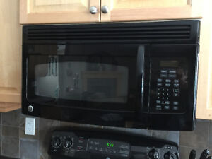 Black GE microwaveReplacing appliances and hoping to sell old on