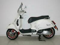 VESPA GTS 300 HPE Via Speciale With Extras
