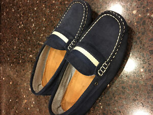 Boys size 2 navy suede dress loafers from ZARA