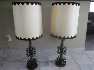 Vintage Gothic Style Wrought Iron Black Metal TABLE LAMP