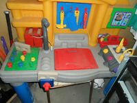 LITTLE TIKES TOOL/WORK BENCH WITH ENGINE