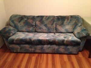 Hidabed couch in excellent condition