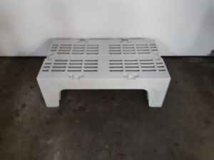 CAMBRO DRS36 DUNNAGE STORAGE RACKS FOR FOOD SERVICE OR OTHER