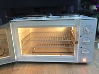 Russell Hobbs two hobs, grill & oven 3000W