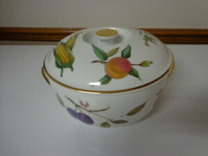 ROYAL WORCESTER POT AND LID  (brand new)